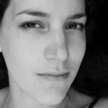 S.Theoharova.close-up.sw_klein